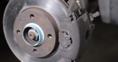 Disco de freno oxidado instalado